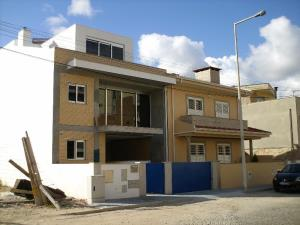 Moradia em banda 6 Quartos, para Compra - Vila Nova da Telha, Maia