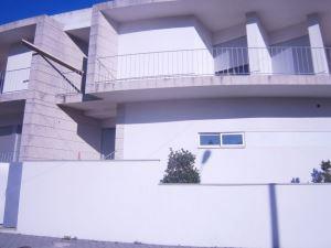 Casa en hilera - de lado T4, para Compra