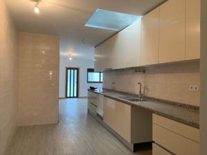 Floor dwelling T2, para Rent