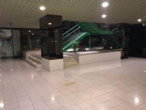 Shop in a shopping center, para Sale