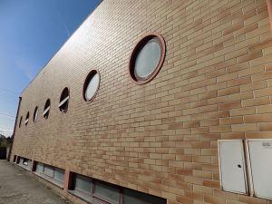 Gymnasium, para Sale