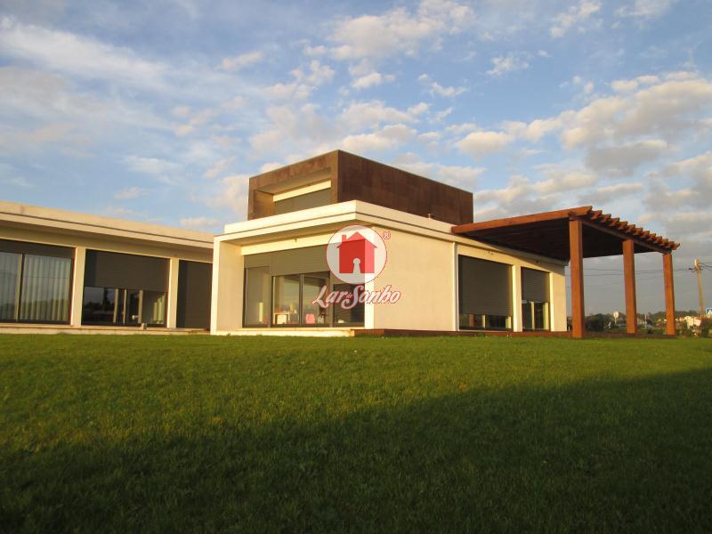 Maison individuelle   Acheter Aver-O-Mar, Amorim e Terroso 475.000€