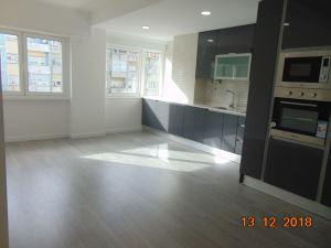 Apartamento com 3 Quartos para Compra