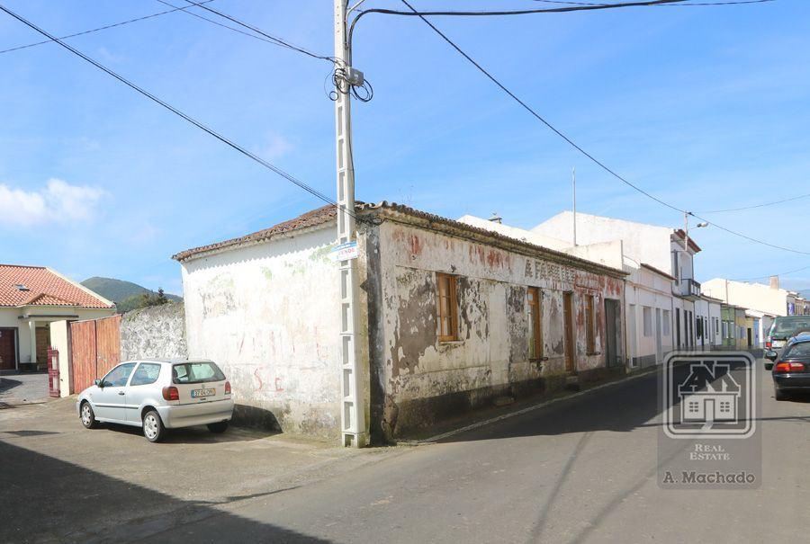 casacerta.pt - Moradia de gaveto  -  - Pico da Pedra - Ribeira Grande