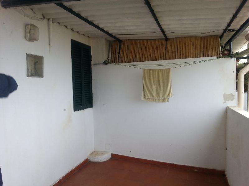 Moradia com 3 apartamentos - Rendimento 800€