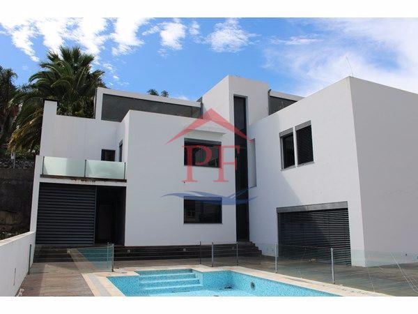 Virtudes - Moradia V4+2 com piscina e campo futebol