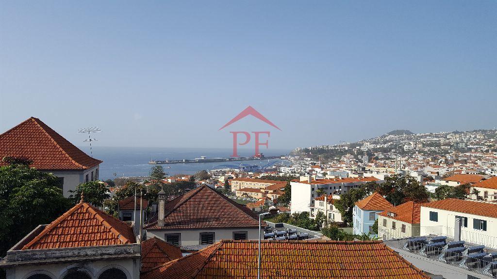 casacerta.pt - Moradia isolada T5 -  - Funchal (Santa Mar(...) - Funchal
