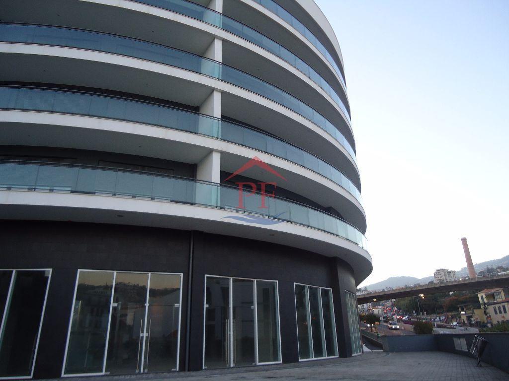 RESTAURANTE / LOJA - Funchal - Centro - Edificio de Luxo - 5 OUTUBRO - Santa Luzia