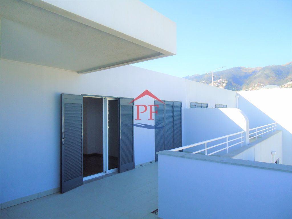 casacerta.pt - Apartamento T4 - Arrendamento - Santo Antonio - Funchal