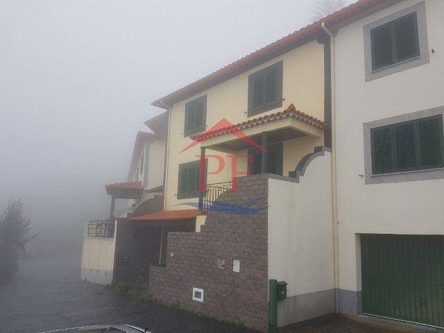 casacerta.pt - Moradia em banda T3 -  - Gaula - Santa Cruz