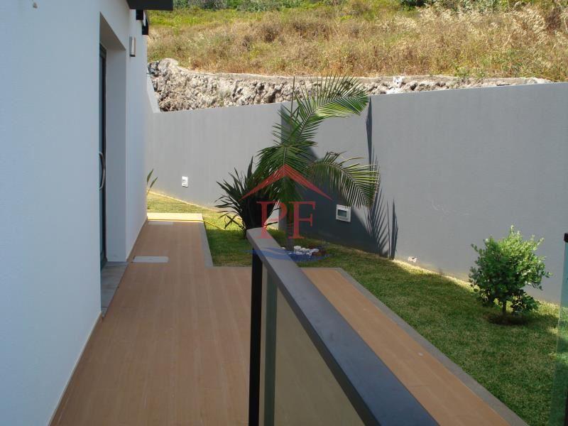 casacerta.pt - Moradia geminada T3 -  - Caniço - Santa Cruz