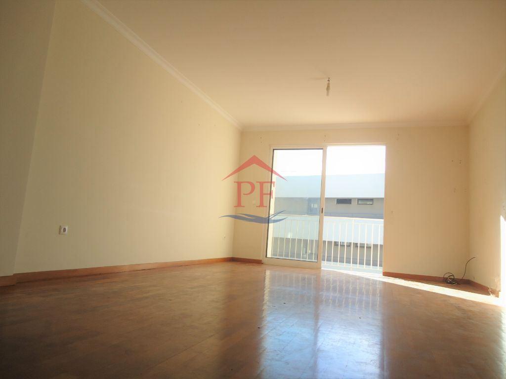 Apartamento T3 - Santo António