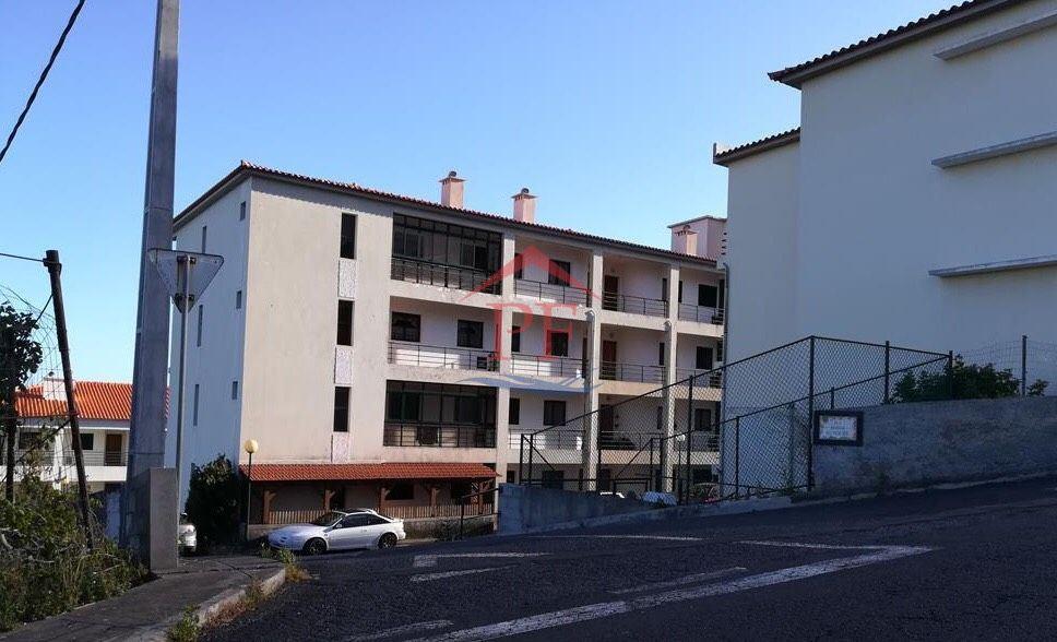 Apartamento T2 - Santa Cruz