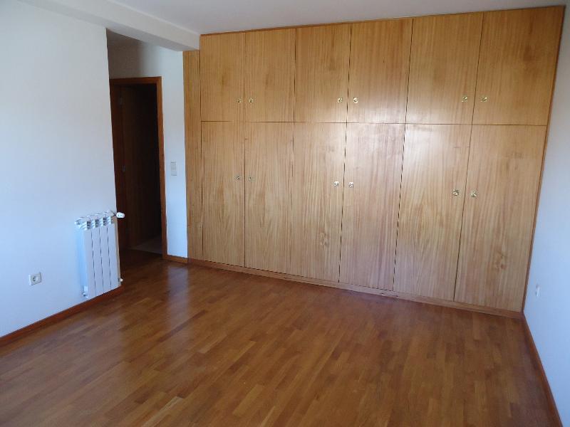 casacerta.pt - Apartamento T2 - Arrendamento - Rio Tinto - Gondomar
