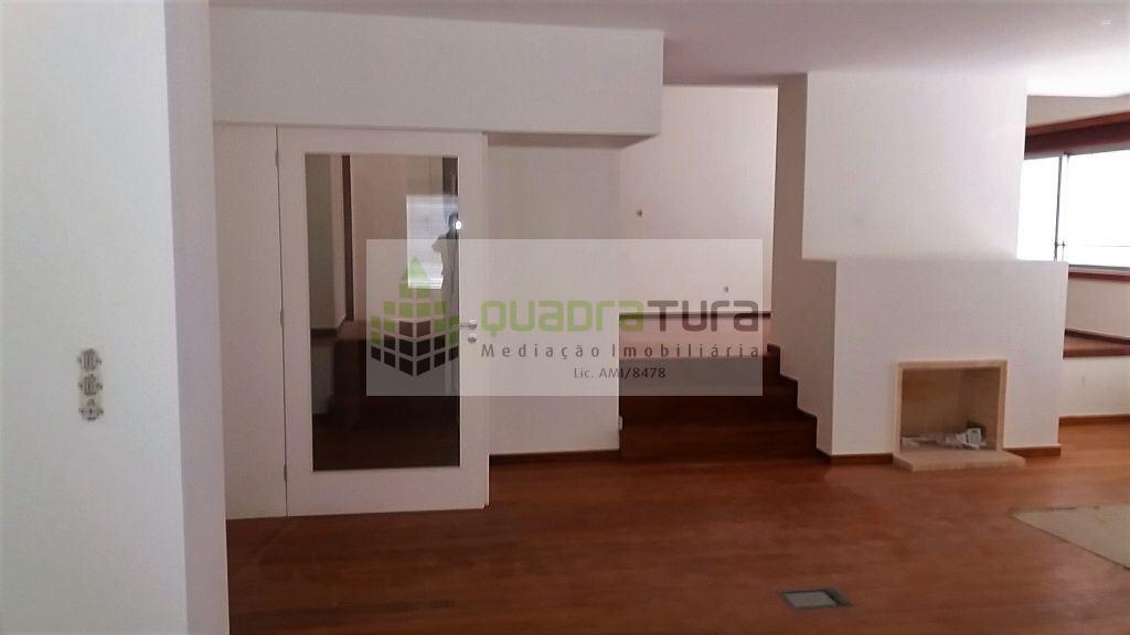 casacerta.pt - Apartamento T4 -  - Lordelo do Ouro e (...) - Porto