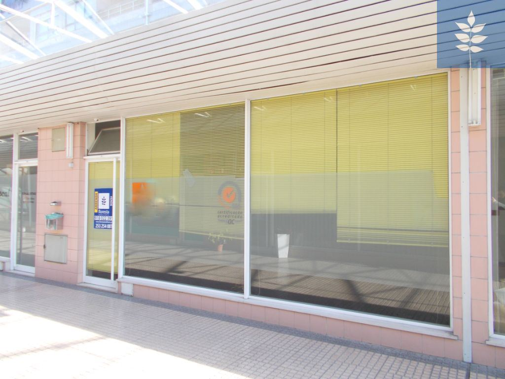 7714eccf289 Loja em centro comercial Braga (Maximinos
