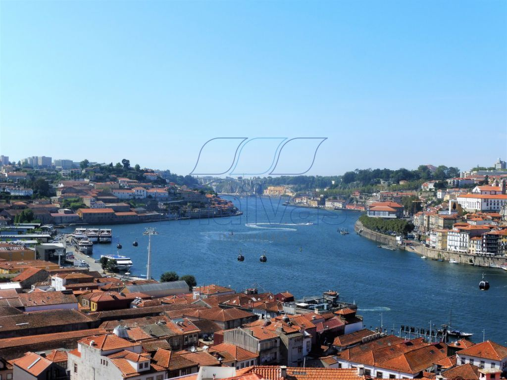 casacerta.pt - Prédio  -  - Santa Marinha e Sã(...) - Vila Nova de Gaia