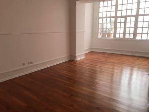 Apartamento com 4 Quartos para Arrendamento