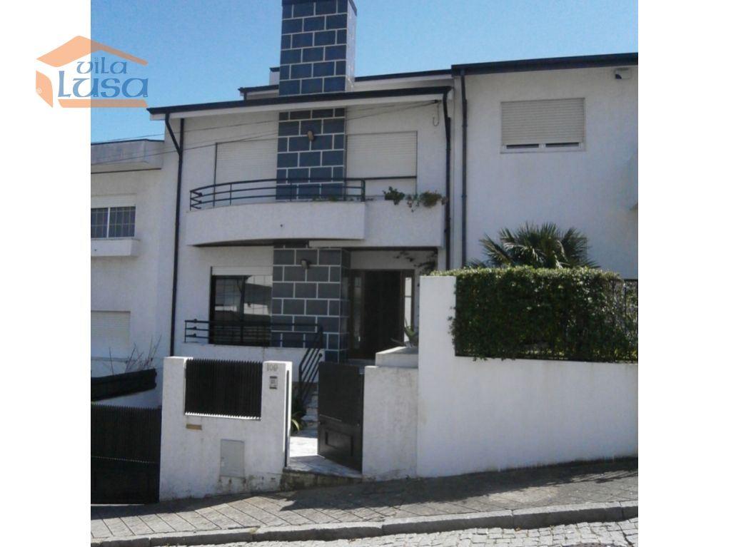 casacerta.pt - Moradia geminada T4 -  - Mafamude e Vilar d(...) - Vila Nova de Gaia