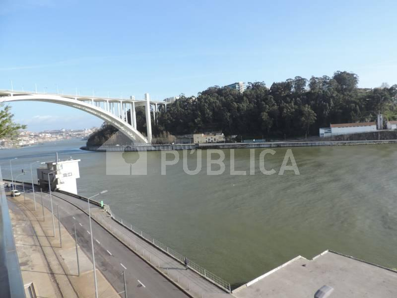 casacerta.pt - Apartamento T5 -  - Lordelo do Ouro e (...) - Porto