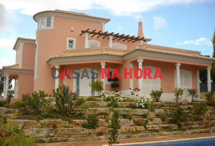 Maison individuelle   Acheter Quarteira 850.000€