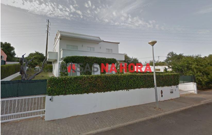 Maison individuelle   Acheter Altura 445.000€
