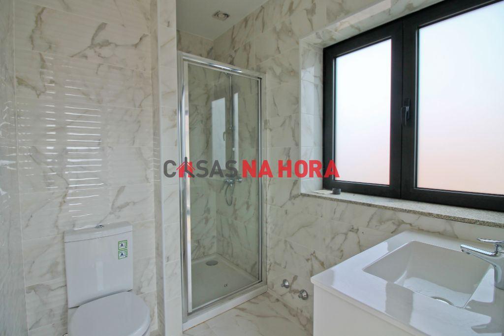 casacerta.pt - Moradia geminada T4 -  - São Mamede de Infe(...) - Matosinhos