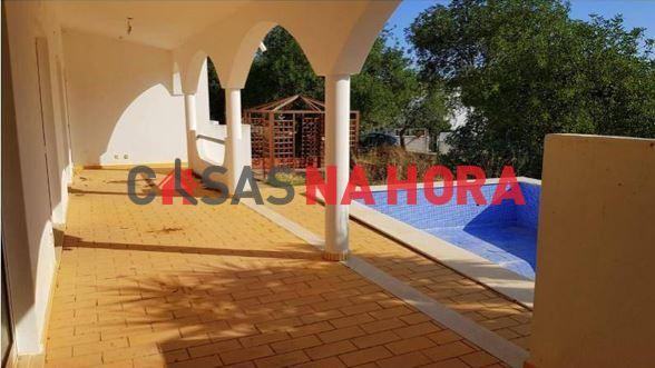 Maison individuelle   Acheter Loule (S. Sebastião) 225.000€