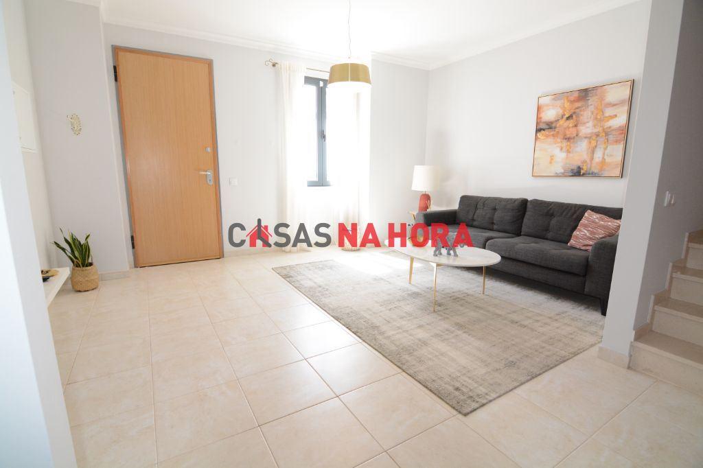 Maison de ville   Acheter Faro (Sé e São Pedro) 325.000€