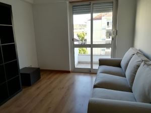 Apartamento com 2 Quartos para Arrendamento