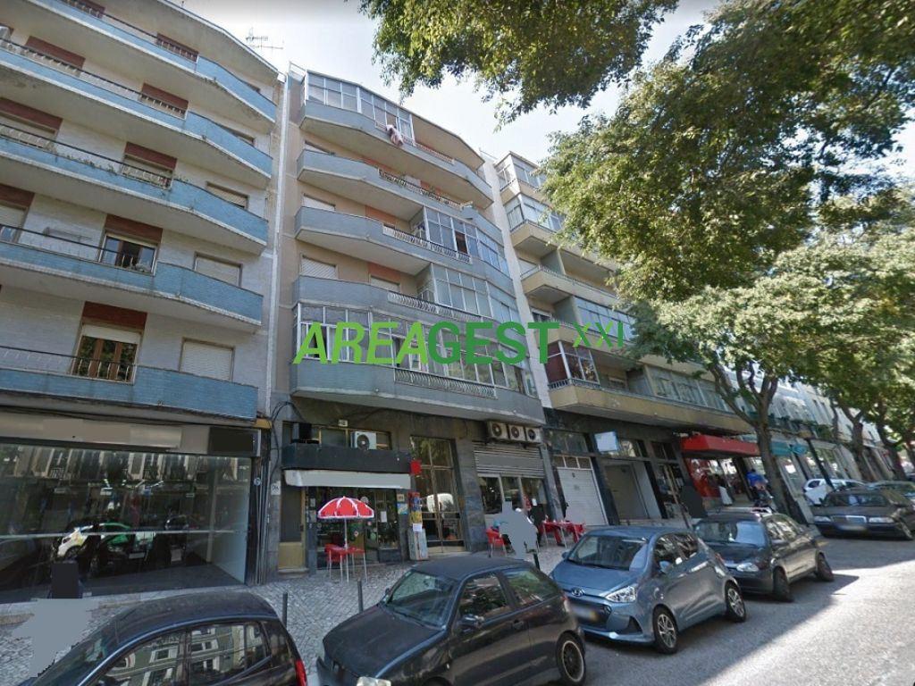 Boutique   Acheter Alcantara 690.000€