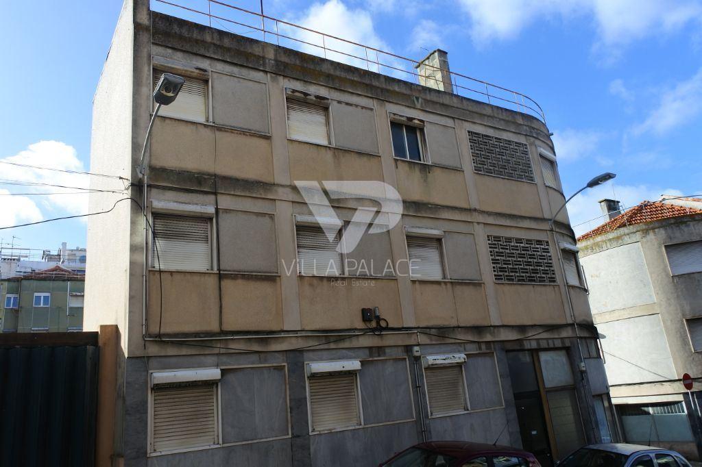 casacerta.pt - Prédio Habitacional  -  - Campolide - Lisboa