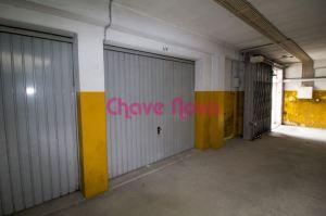 Garagem, para Compra