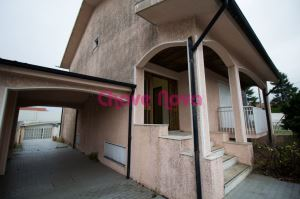 Detached house, para Rent