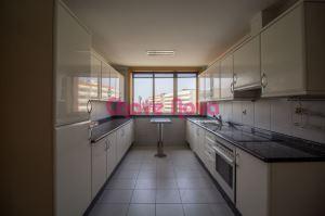 Apartamento com 5 Quartos para Compra