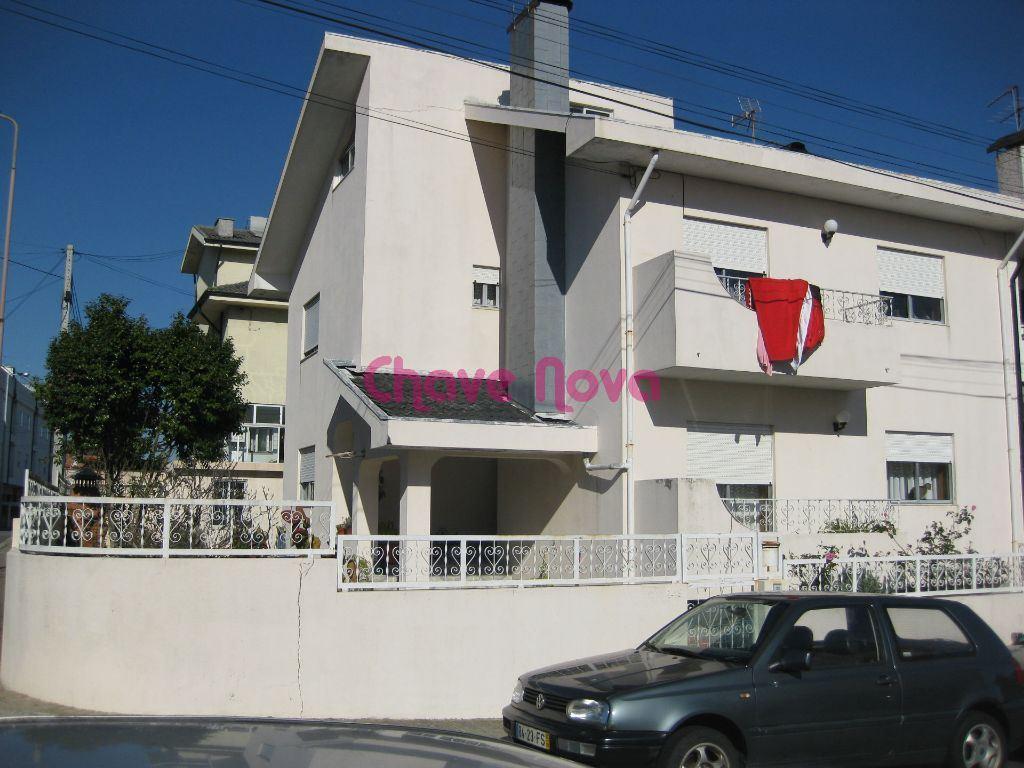 Maison de ville   Acheter Mafamude e Vilar do Paraíso 190.000€