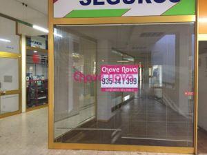 Tienda en un centro comercial, para Compra