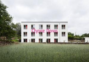 Building, para Sale
