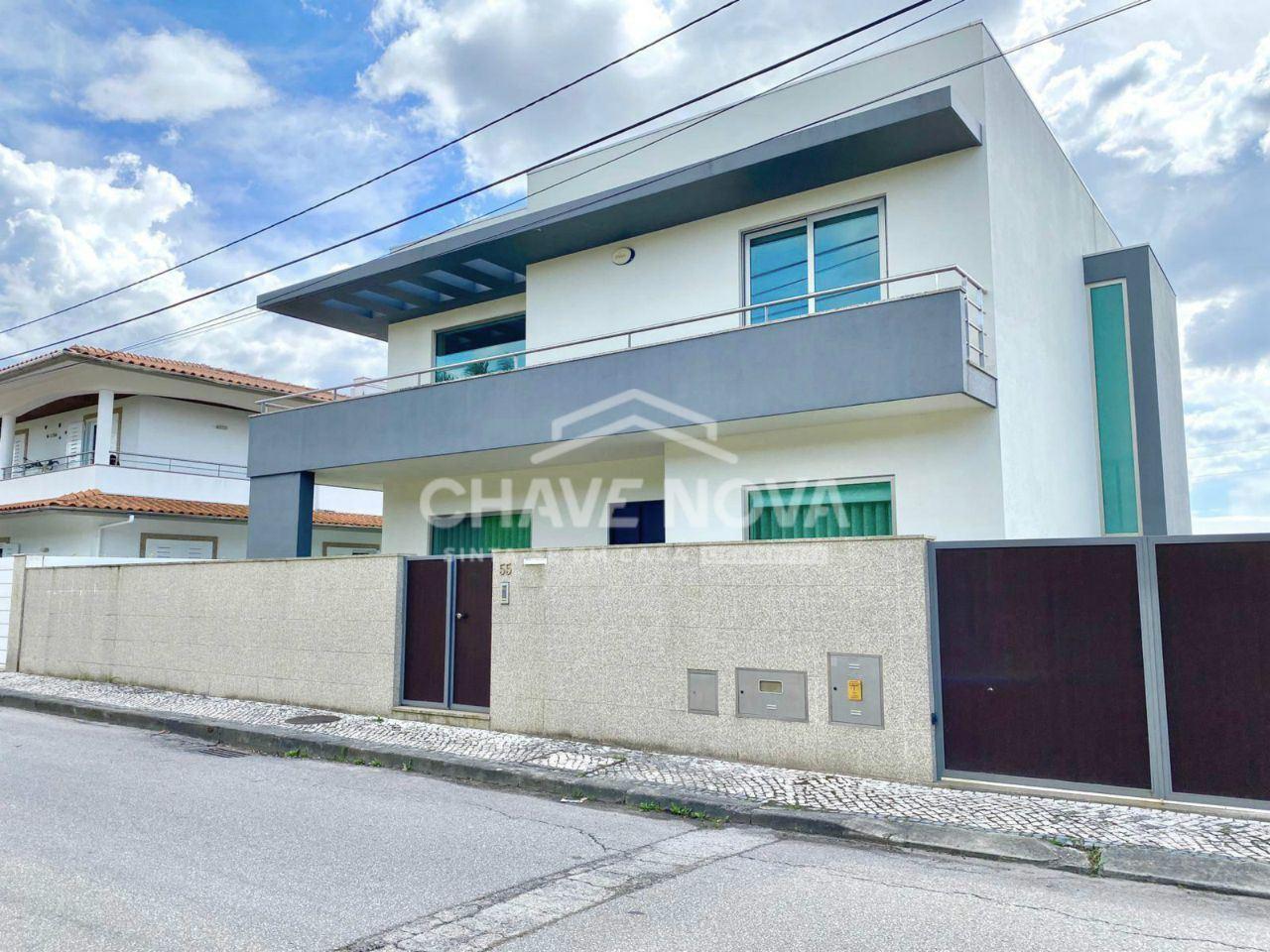 Maison individuelle   Acheter Vila de Cucujães 360.000€