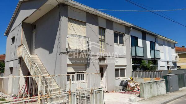 Piso-vivienda T3, para Compra