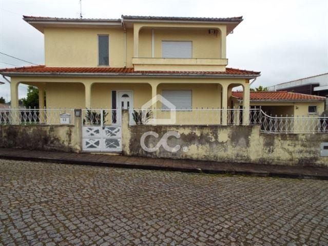 casacerta.pt - Moradia isolada T3 - Venda - Ribeirão - Vila Nova de Famalicão