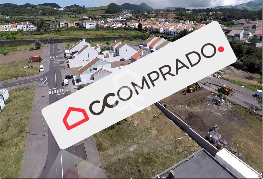 casacerta.pt - Moradia isolada T2 -  - Rosto do Cão (Livr(...) - Ponta Delgada