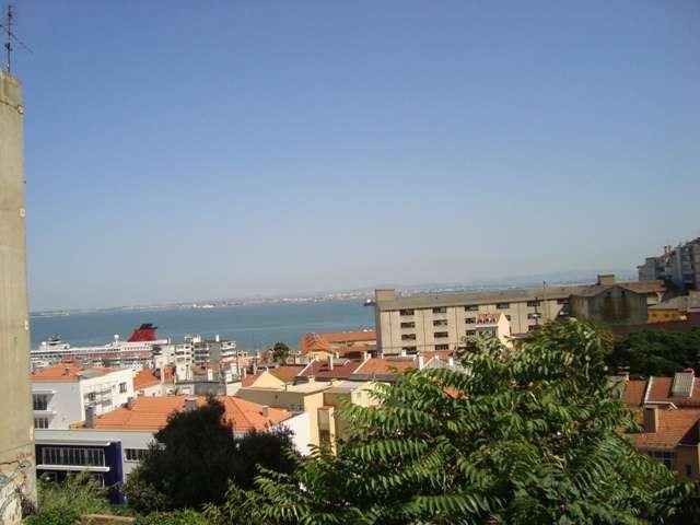 casacerta.pt - Escritório  -  - São Vicente - Lisboa